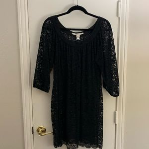 Classy DVF 3/4 sleeve lace dress with silk hem